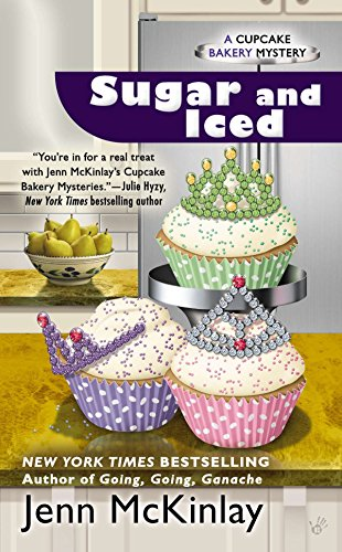 Sugar and Iced (Cupcake Bakery Mystery, Band 6) von Berkley