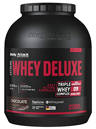 Body Attack Extreme Whey Protein Deluxe - hoher Eiweisgehalt - schnelle Nährstoffverarbeitung - fettarm & zuckerreduziert - 2500mg L-Glutamine - 8 B-Vitamine, Chocolate Cream, 2,3kg, Dose Eiweißpulver von Body Attack Sports Nutrition